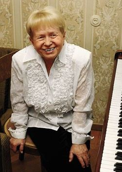 Александра Пахмутова (Aleksandra Pahmutova)